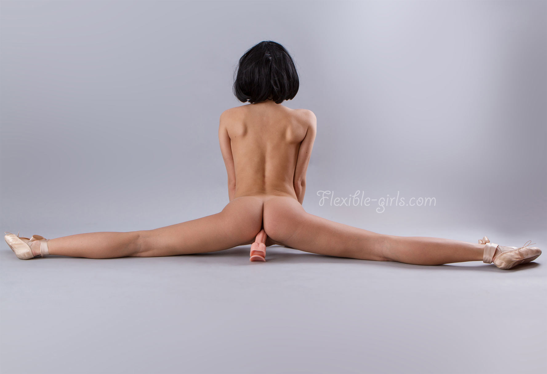 flexible naked thick girls